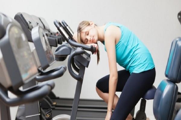Βαριέσαι το γυμναστήριο: Αυτοί είναι οι 5 τρόποι για να σταματήσεις!