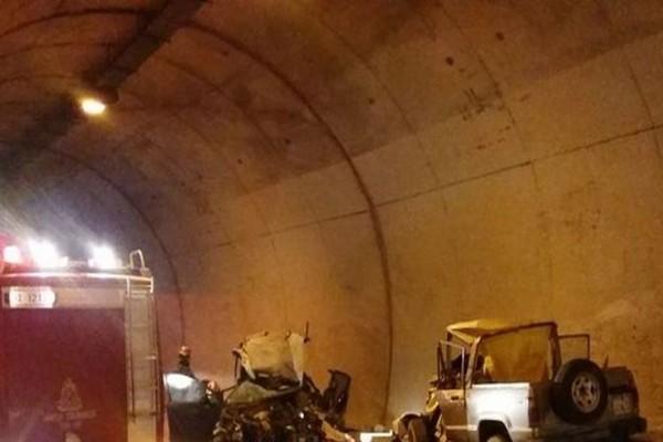 Νέα τραγωδία σοκάρει το Πανελλήνιο: Θανατηφόρο τροχαίο σε σήραγγα!