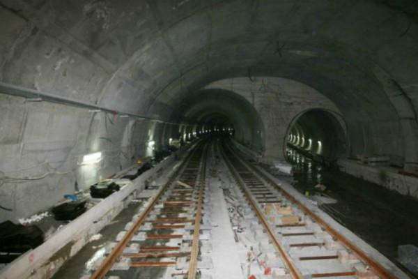 Νέα στοιχεία για μίζες στα έργα του Μετρό – Βαλίτσες σε αξιωματούχους και κόμματα!