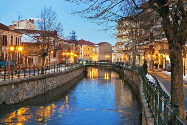 Δεν είναι το Άμστερνταμ! Είναι ονειρεμένη ελληνική πόλη που περιμένει να την ανακαλύψεις! (photos)