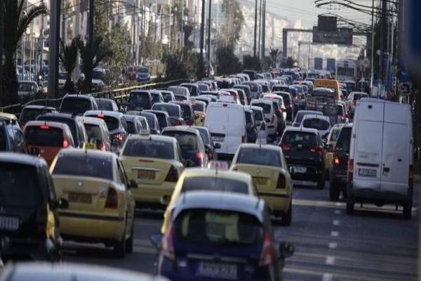 Απίστευτο μποτιλιάρισμα στο κέντρο της Αθήνας! Ποια λεωφόρος είναι κλειστή;