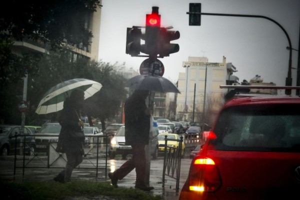 Έκτακτο δελτίο επιδείνωσης καιρού: Σφοδρές καταιγίδες, θυελλώδεις άνεμοι και αφρικανική σκόνη!