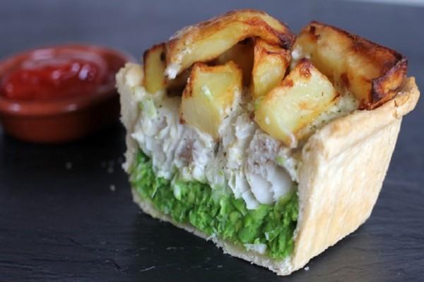 Εύκολη συνταγή: Τα fish 'n' chips που γίνονται πίτα!