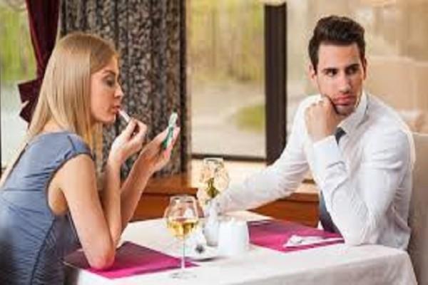 Πρώτο ραντεβού: Πρέπει να τον αφήσεις να πληρώσει;
