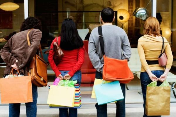 Ξεκινάει σήμερα το εορταστικό ωράριο - Δείτε πως θα λειτουργήσουν τα καταστήματα!