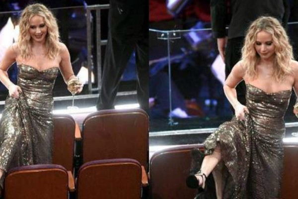 Οσκαρ 2018: H  Τζένιφερ Λόρενς  ακομπλεξάριστη πηδάει πάνω από τα καθίσματα για να μιλήσει στην... Μέριλ Στριπ! (Photo)