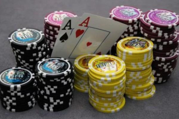 Λουκέτο σε παράνομο καζίνο στην Κυψέλη!