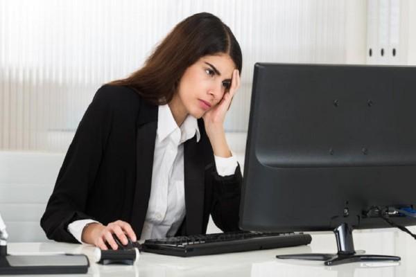 Οι ενδείξεις που σε προειδοποιούν: Οι 2 λέξεις που χρησιμοποιούν οι άνθρωποι με κατάθλιψη και άγχος!
