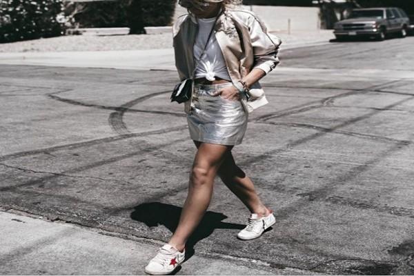 Η mini μεταλιζέ φούστα που φέρνει την άνοιξη! - Πού μπορείτε να την βρείτε!