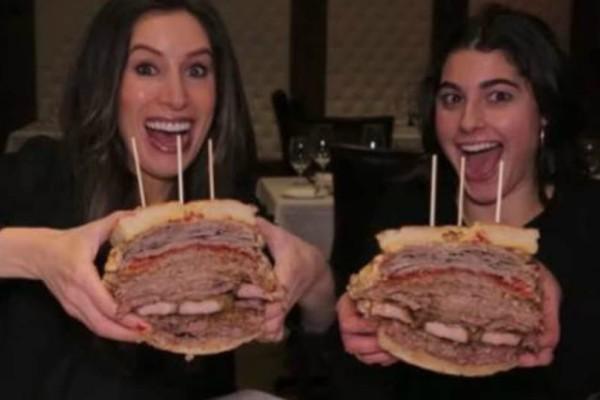 Σάντουιτς 3,6 κιλών, με εκλεκτά κρέατα, κοστίζει 375 δολάρια σε εστιατόριο στη Νέα Υόρκη