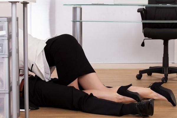 Είναι σωστό; Σeξ στον εργασιακό χώρο - Αφροδισιακό ή αντιεπαγγελματικό;