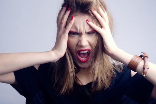 Έχεις πονοκέφαλο, θλίψη, νεύρα και ατονία; Μάλλον σου λείπε η βιταμίνη...;