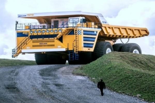 Απίστευτο: Δες τις διαστάσεις του μεγαλύτερου φορτηγού στον κόσμο!