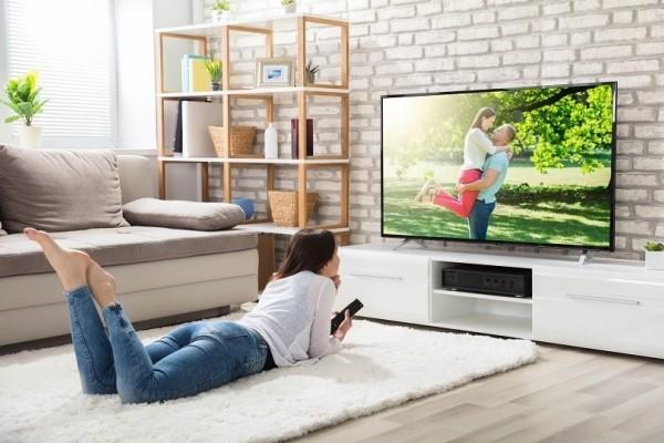 Εσύ το γνώριζες; - Σε ποιο ύψος πρέπει να τοποθετήσεις την τηλεόραση για να μην σε κουράζει!