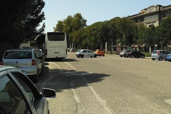 Επικό: Το παρκάρισμα του... αιώνα ανήκει σε οδηγό στο Αγρίνιο!