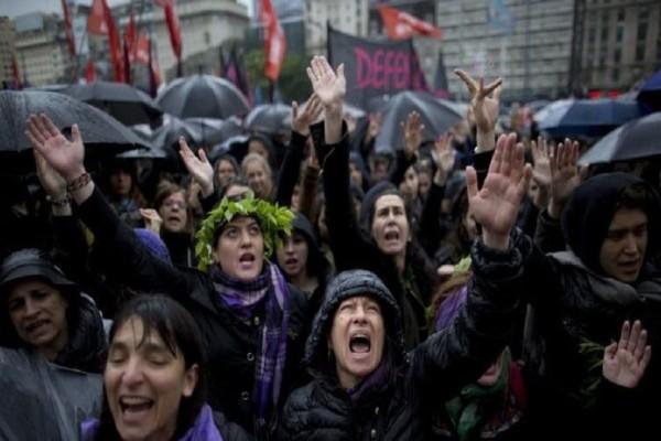 1 στις 3 δολοφονίες στον 21ο αιώνα έχει γίνει στη Λατινική Αμερική!