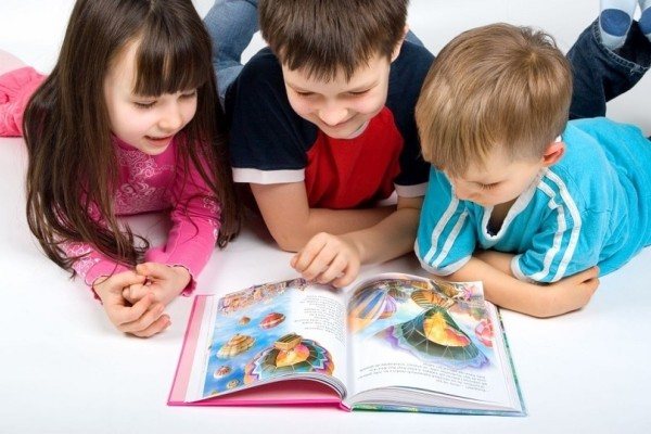 Οι επιστήμονες κρούουν τον κώδωνα του κινδύνου: Τα παιδιά σταματούν να γράφουν λόγω υπολογιστών!