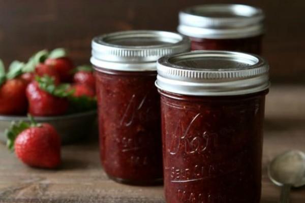 Γρήγορη συνταγή για σπιτική μαρμελάδα φράουλα!