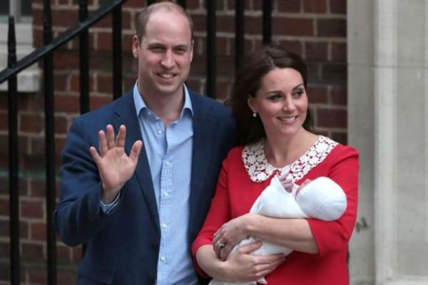 Εξιτήριο για την Κέιτ Μίντλετον - Η πρώτη εμφάνιση του βασιλικού μωρού (photos)