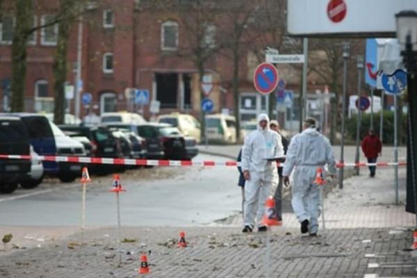 Έκτακτη είδηση: 4 νεκροί και 30 τραυματίες από αυτοκίνητο που έπεσε πάνω σε πεζούς!