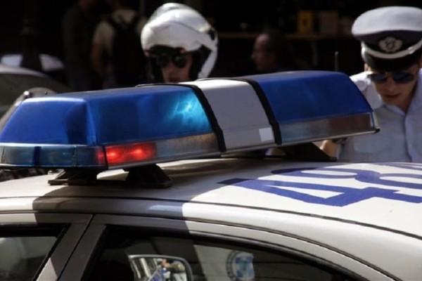 Απίστευτη κινηματογραφική καταδίωξη: Φορτηγό με λαθρομετανάστες εμβόλισε όχημα της αστυνομίας!