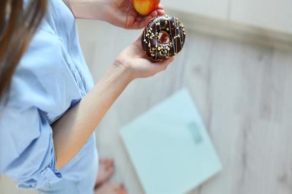 Είσαι σε δίαιτα; - Αυτός είναι ο λόγος που θα πρέπει να αποφεύγεις να ζυγίζεσαι!