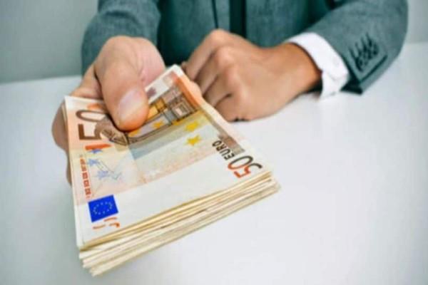 Απόφαση - βόμβα: Η δουλειά που κάνουν σχεδόν όλοι οι νέοι στην Ελλάδα θα αμείβεται πλέον με 940 ευρώ!