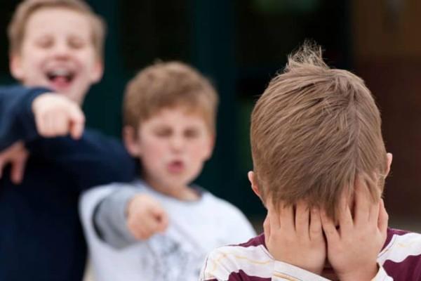 Bullying: 7 περιπτώσεις και πως να τις αντιμετωπίσει το παιδί σας!