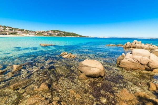 Δεν είναι αυτό που νομίζετε: Το ελληνικό νησί πρώτο στην λίστα με τους καλύτερους προορισμούς της Μεσογείου!