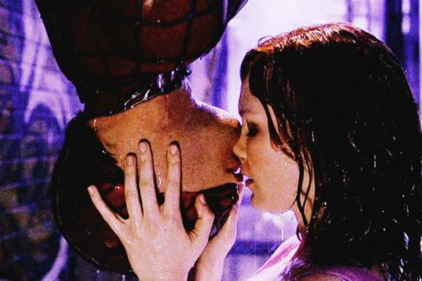 Για την ρομαντική σου πλευρά; 7 κινηματογραφικά φιλιά που