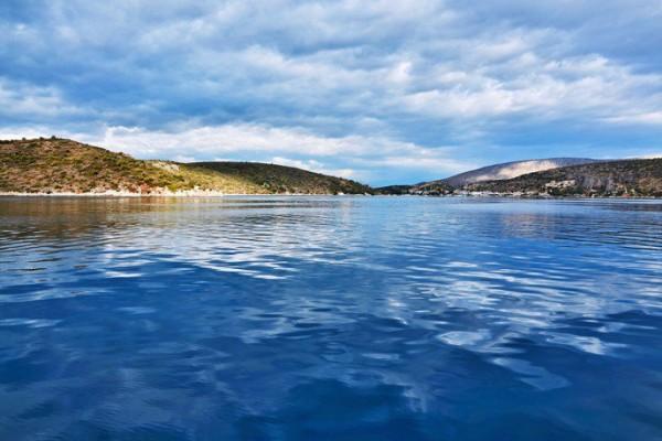 Πελοπόννησος: 12+1 αξιοζήλευτες παραλίες που θες να βουτήξεις τώρα! (photos)