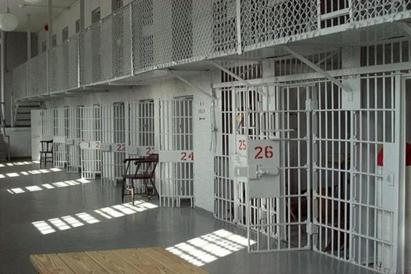 Αιματηρή συμπλοκή κρατουμένων στις φυλακές Δομοκού!