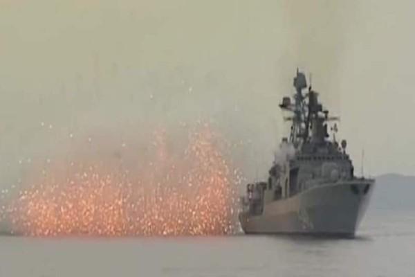 Επίδειξη ισχύος: Εντυπωσιακές ασκήσεις του ρωσικού στόλου!  (Video)