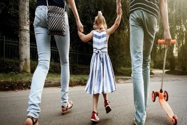 Γονείς δώστε βάση: 4 συμβουλές για να σώσετε το παιδί σας από τους παιδόφιλους!