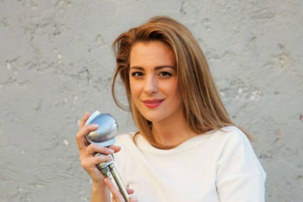 Για λίγες ακόμη παραστάσεις: Νατάσσα Μποφίλιου με το Μπελ Ρεβ στο Gazi Live!
