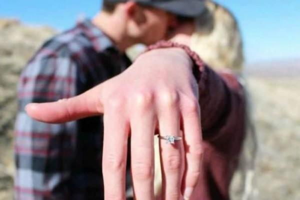 Είπε το ''ναι'' στην πρόταση γάμου, αλλά ο μπαμπάς της είχε άλλη γνώμη...