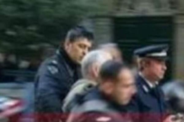 Χαμός στην Πάτρα: Του πήραν τις πινακίδες για στάθμευση σε θέση αναπήρων και χτύπησε τον αστυνομικό (foto)