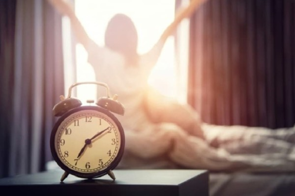 Ζώδια και πρωινό ξύπνημα: Πώς αντιδρά το καθένα;