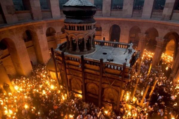 Δείτε live: Η τελετή της Αφής του Άγιου Φωτός στην Ιερουσαλήμ