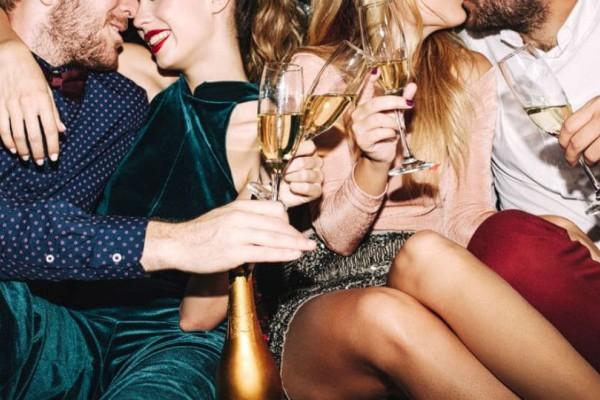 Αληθινές εξομολογήσεις: Πως είναι να πηγαίνεις σε ένα σεξ πάρτι;