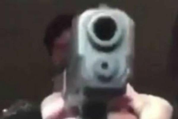 Τον πυροβόλησε κατά λάθος σε live μετάδοση στο Facebook (video)