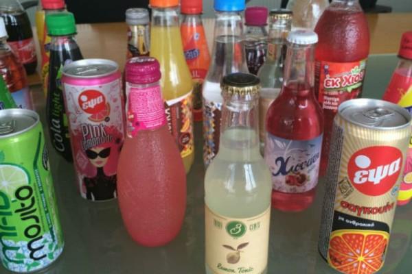 Αυτός είναι ο λόγος που τα αναψυκτικά σε μπουκαλάκια έχουν διαφορετική γεύση από αυτά σε κουτάκια!