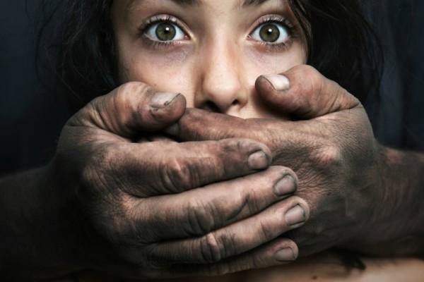 Σοκ στο Αγρίνιο: 70χρονος αποπειράθηκε να βιάσει μια γνωστή του!