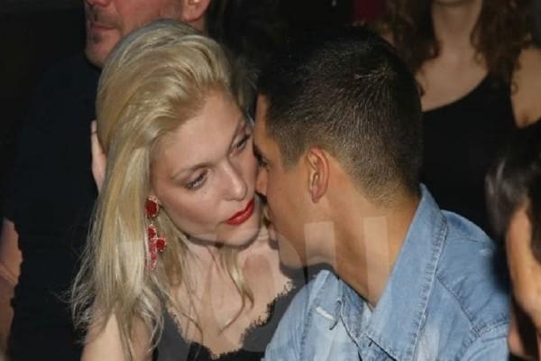 Αναστασία Περράκη: Αγκαλιές και φιλιά με το νεαρό σύντροφο της!