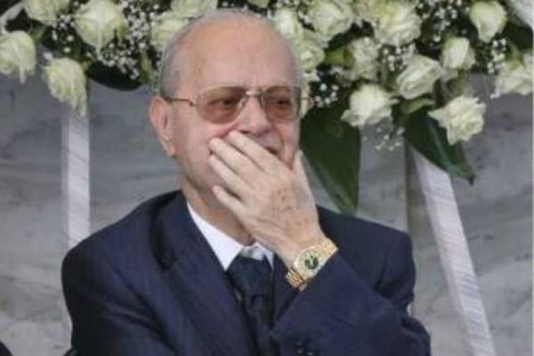 Θρήνος στην κηδεία του Κώστα Γιαννακόπουλου - Δεν άντεξε ο αδερφός του Θανάσης (photo)
