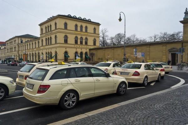 Ταξιτζής χρέωσε τη Βίκυ Λέανδρος 1.022 ευρώ! - Τι του είπε