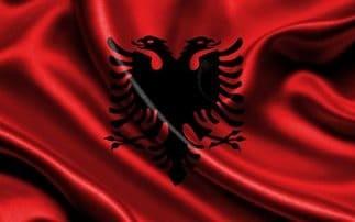 Πανικός με την φωτογραφία με τον Αλβανικό αετό! Για ρατσισμό μιλούν οι Αλβανοί! (Video)