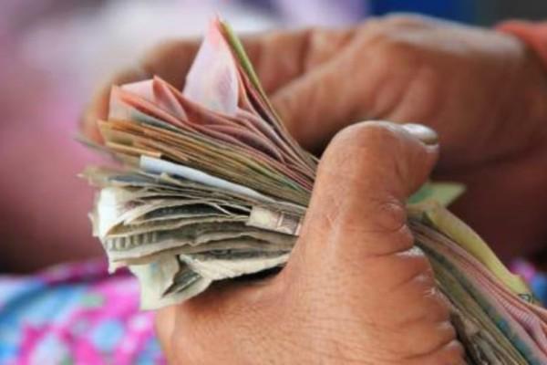 Δουλεύεις την ημέρα του Αγίου Πνεύματος; Δείτε πως θα πληρωθείτε!