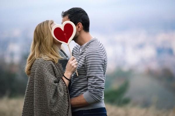 Ζώδια και έρωτας: Ποια λειτουργούν με την λογική και ποια με το συναίσθημα;