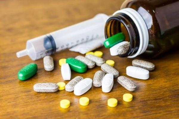 Νέα έρευνα κρούει τον κώδωνα του κινδύνου: Τα αντιβιοτικά αυξάνουν τον κίνδυνο για πέτρες στα νεφρά!